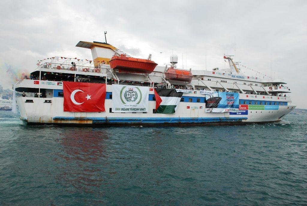 Jedna z tureckých lodí pokoušející se prolomit izraelskou blokádu.